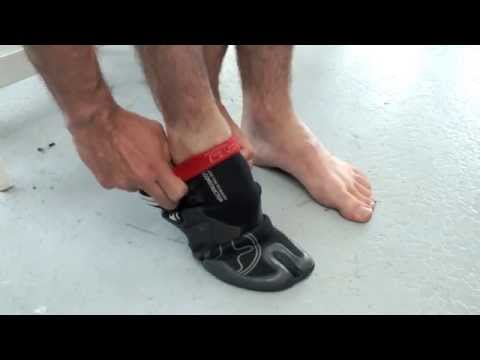 How to: Put wetsuit booties on easily (and take them off)