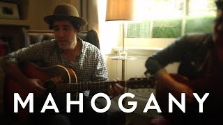 Joshua Radin - Street Light | Mahogany Session