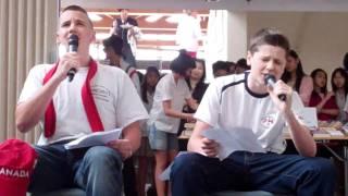 White Guys Singing in Chinese