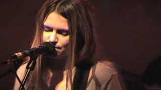 "Juliana Hatfield + band Live ""the victim"" 12/18/04 [3 of 4]"