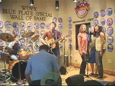 """Jonathan Sexton performing """"Love in my heart"""" at WDVX"""