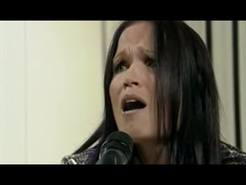 Tarja Turunen video I walk alone / The reign - Piso CM 12/03/2009