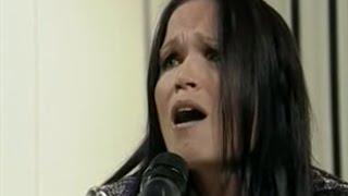 Tarja Turunen - I walk alone / The reign - (Piso CM 12/03/2009)