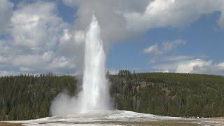 Old Faithful Geyser - Yellowstone National Park (HD)