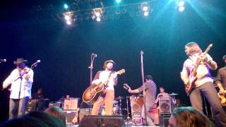 Tougher Than the Rest, Micky & the Motorcars with Willy & Cody Braun
