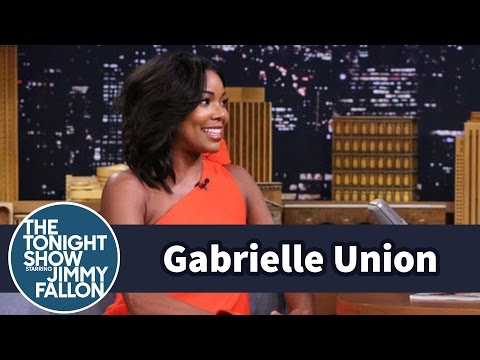 Gabrielle Union Swam with Pigs in the Bahamas