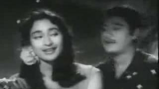 Ye Raatein Ye Mausam Nadi Ka Kinara - YouTube