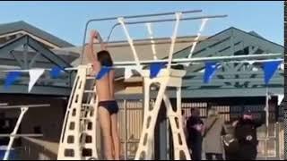 Lustige Videos. Dickes Mädchen und Pool. Толстая девушка и бассейн. Fat girl and pool