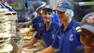 How do they make dominos pizza.