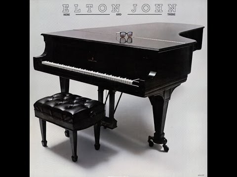 Elton John - Funeral for a Friend/Love Lies Bleeding (Live in New York 1974)