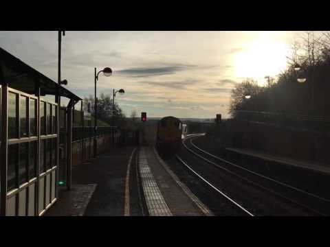DRS 20302 & 20305 thrash away from Meadowhall into the setti…