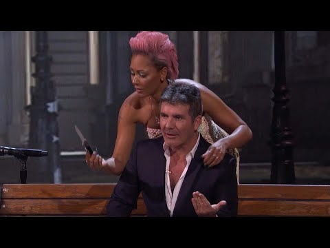 EXCLUSIVE: Simon Cowell Reacts to Mel B Stabbing Him During Surprising 'America's Got Talent' Act! (видео)