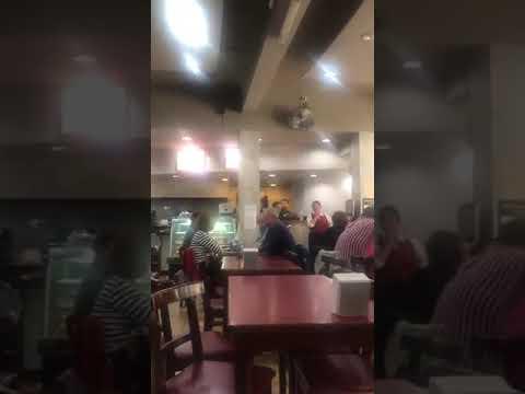 VIDEO En un bar de Colonia, Bullrich cruzó insultos con una mujer que la acusó por el caso Maldonado