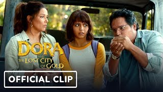 """Dora and the Lost City of Gold - """"Dangers of the Big City"""" Official Clip"""
