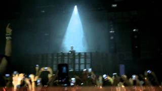 Alesso intro/tear the roof up (Live at McAllen Tx.)