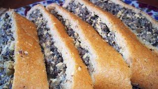 Бисквитный рулет с грибами. Бисквитное тесто. Блюдо с грибами.