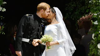 Harry and Meghan's first kiss as husband and wife - Video Youtube