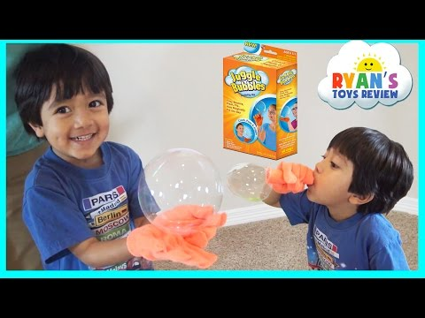 JUGGLE BUBBLES Magic No Pop Bubbles Family Fun Kids SEEN ON TV Toys Ryan ToysReview