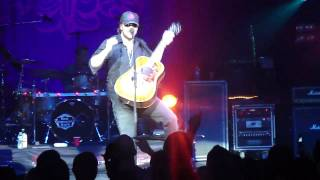 Eric Church - Without you Here (Live)