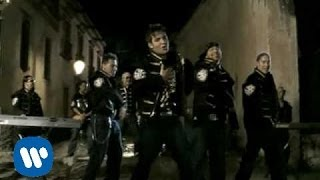 Cruz Martinez y Los Super Reyes - Serenata (Official Music Video)