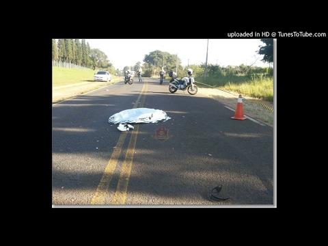 Motociclista cai na pista e é morre atropelada por caminhão