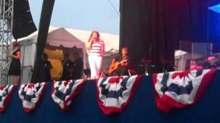 Jo Dee Messina- Treat me like a woman