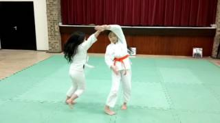 Aikido exercieses for leading and following (juniors)