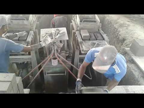 Semi Automatic 2 Brick Making Machine