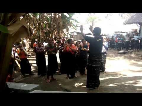 Musik suling #kampung Tololela-Bajawa-flores