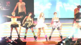 Miley Cyrus - Let's Get Crazy - Live in Portland, OR (Wonder World Tour 2009)