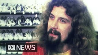Billy Connolly's hilarious guide to buying Wellington boots (1976) | RetroFocus