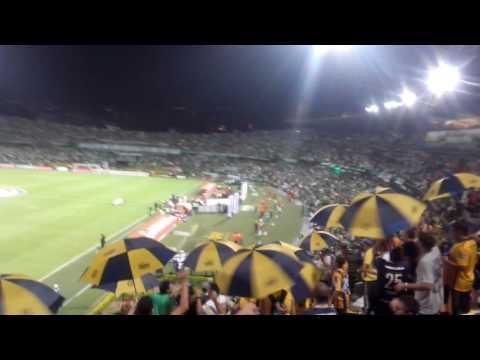 """""""""""Siempre estuvimos, nunca te abandonamos"""" - En Medellín 2016."""" Barra: Los Guerreros • Club: Rosario Central"""