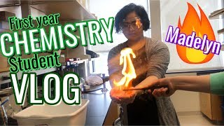 A Day in the Life of a Chemistry Student / First Year Chemistry Vlog / Women in STEM fields