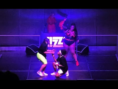 Fan Proposes to Partner @ LIZZO Concert