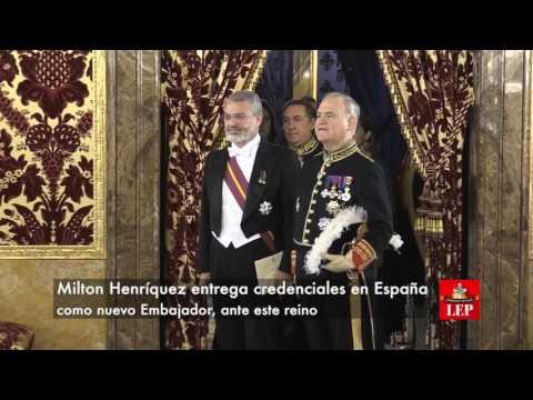 Felipe de España recibe cartas del embajador panameño Milton Henríquez