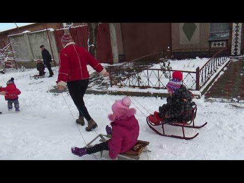 Чем занять ребенка зимой?))