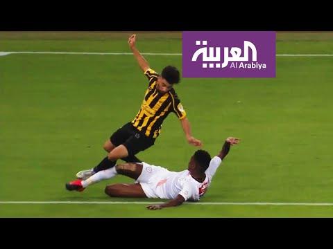 العرب اليوم - شاهد: مقيم الحكام في الآسيوي يكشف أخطاء حكم مباراة الاتحاد والشباب