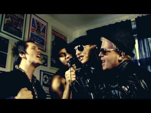 The Fialky - THE FIALKY - SCÉNA (videoklip 2010)