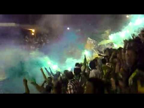 """""""ARTILLERIA VERDE SUR ((MANDA EN EL EJE))"""" Barra: Artillería Verde Sur • Club: Deportes Quindío"""