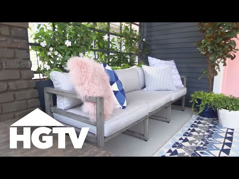 HGTV Urban Oasis 2017 - Entryway and Living Room Tour
