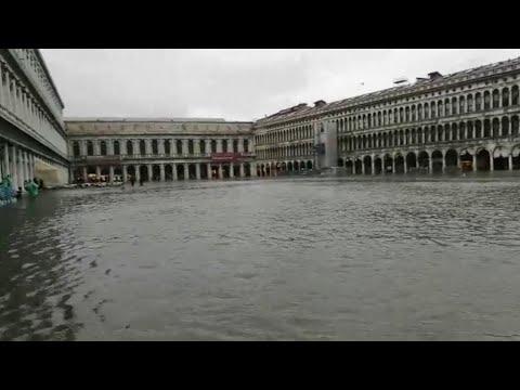 Acqua alta eccezionale a Venezia, ecco piazza San Marco