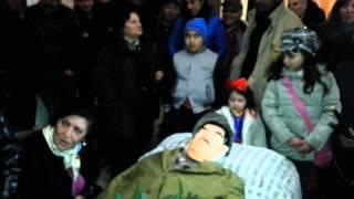 preview picture of video 'La tradizionale chiagnuta a Carnevale morto con Cecchinella (Marcianise 14/02/2015)'