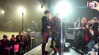 Angels and Airwaves Glasgow - SHOVE Soundcheck from Stage of Tom + AVA video 3