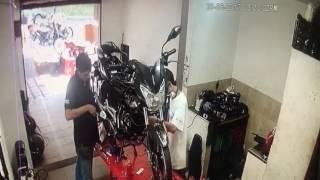 Buscan En Medellín Asesinos De Joven Mecánico [Noticias] - Telemedellín