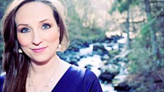 Julie Fowlis ~ Ribinnean Riomhach