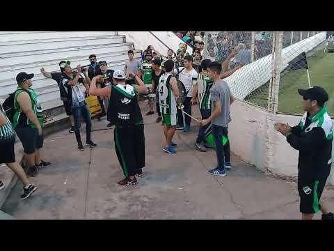 """La gloriosa de villa mitre entrando a liniers vs sporting"" Barra: La Gloriosa • Club: Villa Mitre"