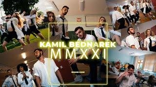 Kadr z teledysku MMXXI... tekst piosenki Kamil Bednarek