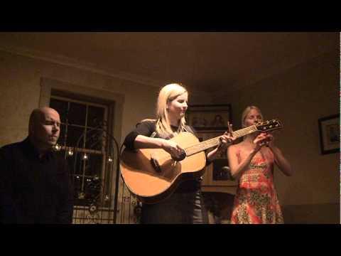 TERESA ENNIS - Music Profile | BANDMINE.COM