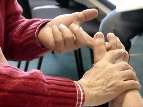 Quale medico di consultarsi con il mal di schiena non può piegare verso il basso