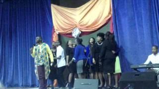 Ozayo Ndamase - wakhuphuka